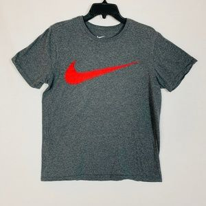 Nike Men Size M Tee Athletic Cut Gray Short Sleeve